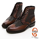 【GEORGE 喬治皮鞋】Amber 俏麗時尚 綁帶拼接花雕馬丁靴-棕色