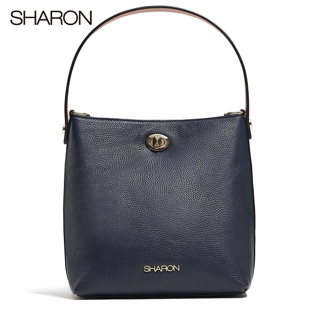【SHARON 雪恩】頭層牛皮Betty金扣水桶包(深藍色22104BR)