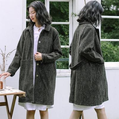 風衣-訂製粗條燈蕊絨復古綠及膝中長版大碼外套-設計所在