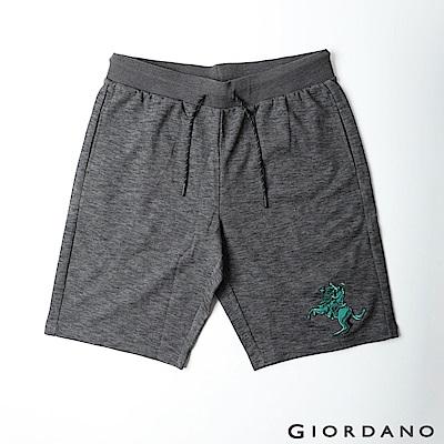 GIORDANO 男裝拿破崙刺繡針織短褲-42 仿段彩黑
