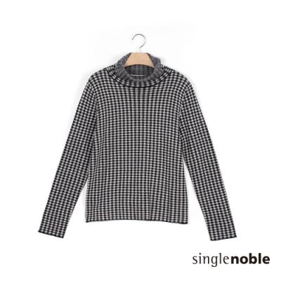 獨身貴族 知性立領小格紋羊毛針織上衣(1色)