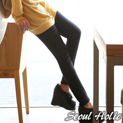 【Seoul Holic】百搭款純色九分內搭褲(共二色)