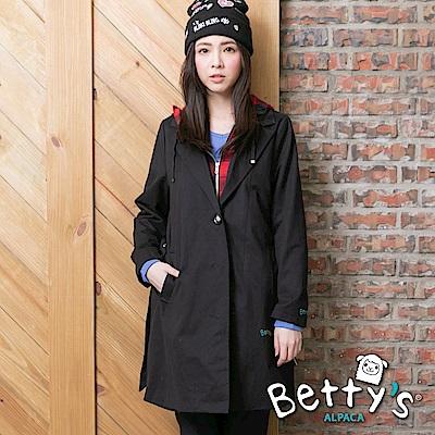 betty's貝蒂思 格紋帽抽繩拉鍊排釦長版大衣(黑色)