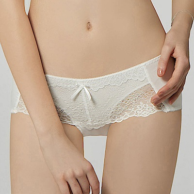 曼黛瑪璉 包覆提托經典低腰三角內褲(牙白)