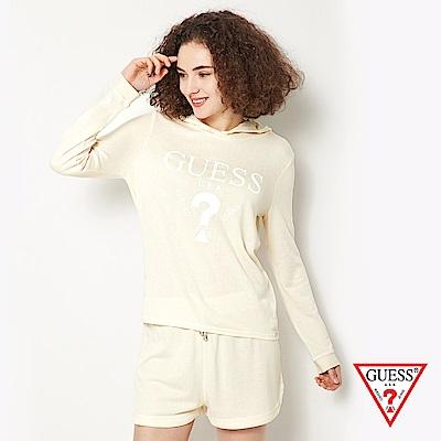 GUESS-女裝-經典倒三角logo休閒帽T短褲套裝-淺黃
