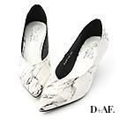 D+AF 質感升級.大理石紋尖頭V口跟鞋*白