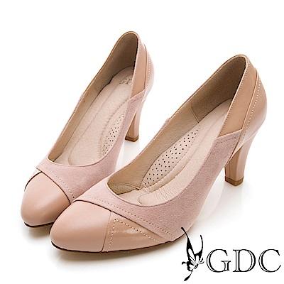 GDC-異材拼接真皮微尖頭設計感中跟包鞋-粉膚色