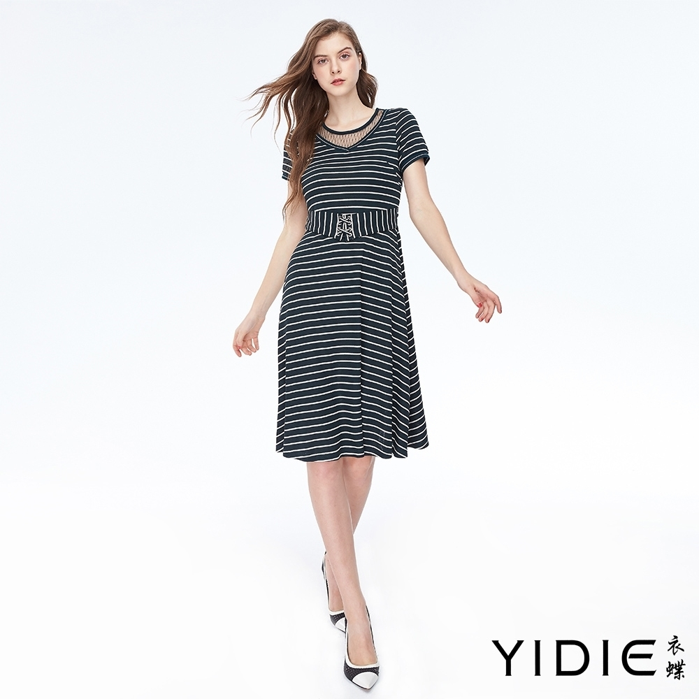 YIDIE衣蝶 腰封裝飾條紋長洋裝-深墨綠