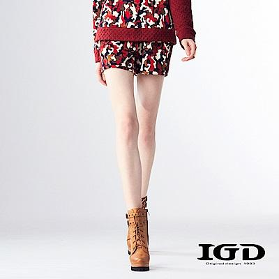 IGD英格麗 毛料拼接多彩迷彩造型短褲-紅色