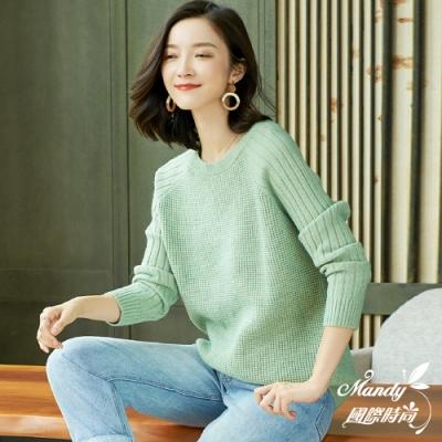 Mandy國際時尚 針織上衣 冬 慵懶風圓領純色寬鬆長袖針織上衣(6色)