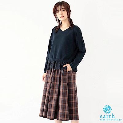 earth music 下襬蕾絲拼接V領上衣+素面/格紋寬褲裙