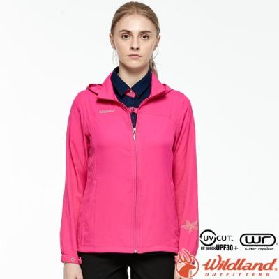 Wildland 荒野 0A81903-09桃紅色 女彈性透氣輕薄外套 抗UV遮陽外套/透氣夾克/連帽防曬/登山運動