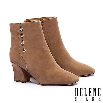 短靴 HELENE SPARK 復古率性鉚釘波浪剪裁全真皮高跟短靴-咖