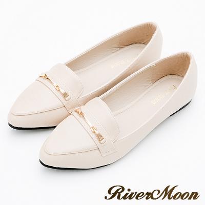 River&Moon大尺碼-城市輕奢尖頭平底樂福休閒鞋-米杏