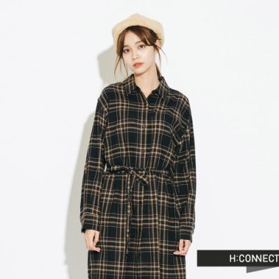 H:CONNECT 韓國品牌 女裝-排扣綁帶長版格紋襯衫-黑
