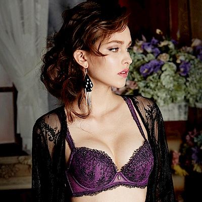 莎露-舞鞋 D-E罩杯內衣(紫羅蘭)奢華蕾絲-深V包覆-集中美胸