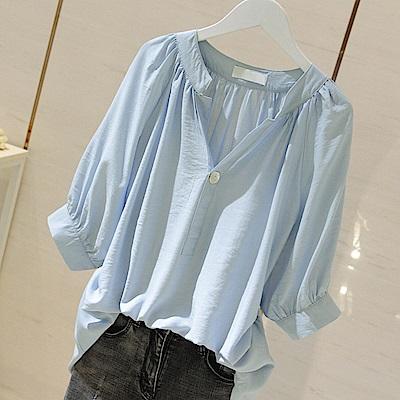 初色  純色V領木耳邊襯衫-共2色-(M-2XL可選)