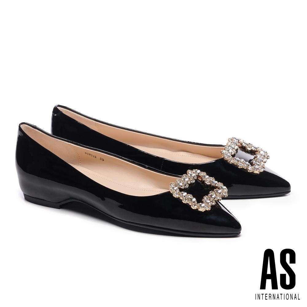低跟鞋 AS 時尚耀眼晶鑽方釦全真皮尖頭低跟鞋-黑