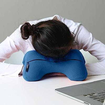 米夢家居-午睡防手麻-多功能記憶趴睡枕/飛機旅行車用護頸凹槽枕-藍(二入)