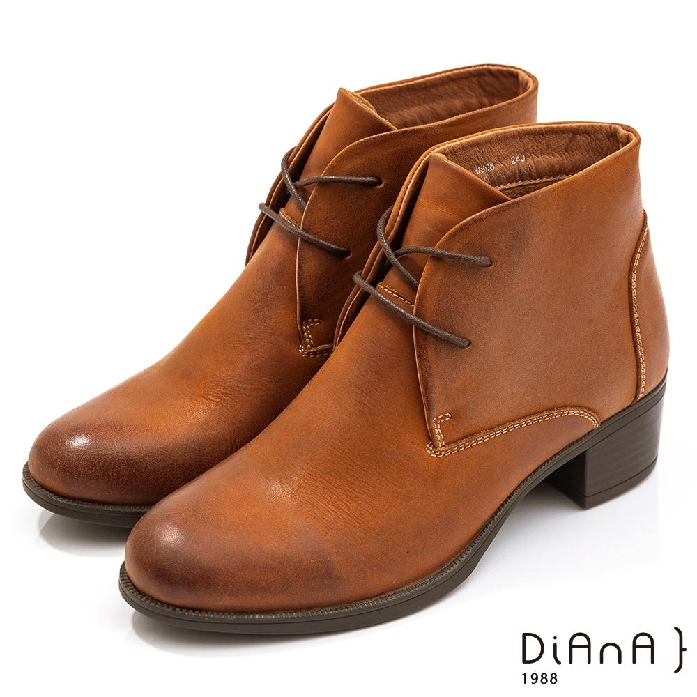 DIANA 5cm水染牛皮彈性綁帶查卡粗跟短靴-獨俱品味–咖啡