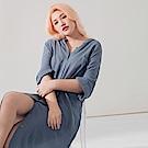 AIR SPACE LADY 中大尺碼 背鏤空扭結皺褶長版襯衫(藍)