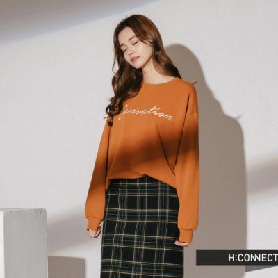 H:CONNECT 韓國品牌 女裝-休閒印字落肩大學T-棕