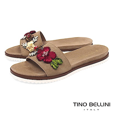 Tino Bellini 義大利進口繽紛花飾平底涼拖鞋 _ 駝