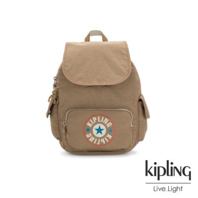Kipling 復古卡其撞色大LOGO拉鍊掀蓋後背包-CITY PACK S