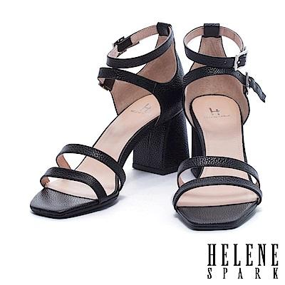 涼鞋 HELENE SPARK 時尚多條帶純色壓紋金屬牛皮粗高跟涼鞋-黑