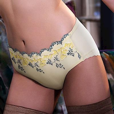 黛安芬-艾聖思 清甜櫻草系列L平口內褲 M-EL 嫩黃