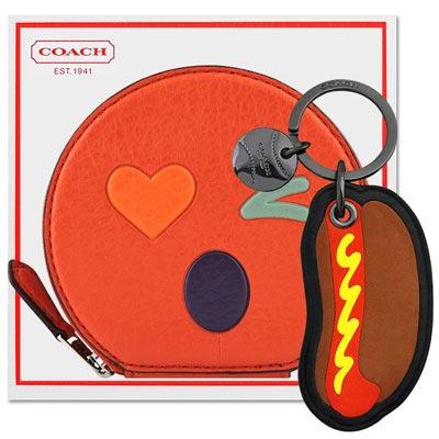 COACH 橘紅色皮革壓紋零錢包+COACH 咖啡色熱狗造型皮革鑰匙圈