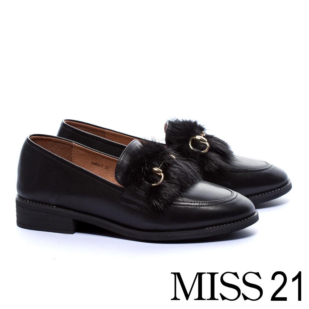 低跟鞋 MISS 21 英倫暖意水貂毛設計金屬釦全真皮樂福低跟鞋-黑