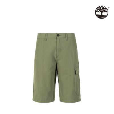 Timberland 男款卡塞爾軍綠色經典寬鬆工裝短褲 A2EBF