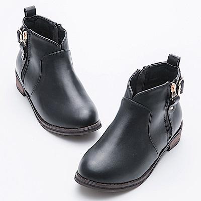 River&Moon大尺碼-顯瘦V口拉鍊扣環短靴-黑