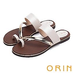 ORIN 夏日時尚風 金屬斜邊飾條牛皮套指拖鞋-米色