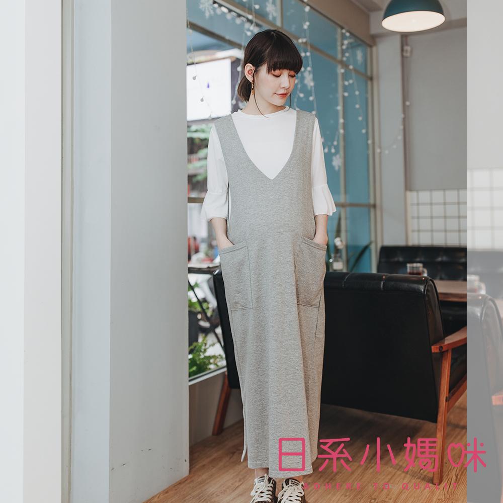 日系小媽咪孕婦裝-韓製孕婦裝~前後V領雙口袋裙襬布標裝飾背心洋裝 (共二色)