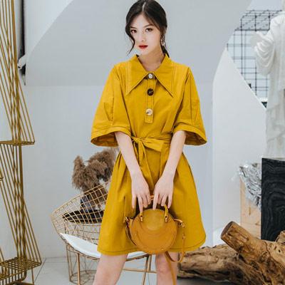 素面復古感翻領寬袖洋裝 (黃色)-Kugi Girl