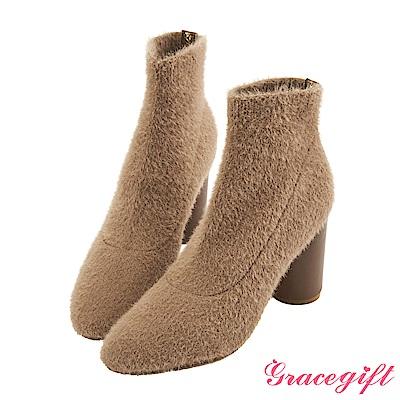 Grace gift X Kerina妞妞-素色針織圓跟襪靴 淺駝
