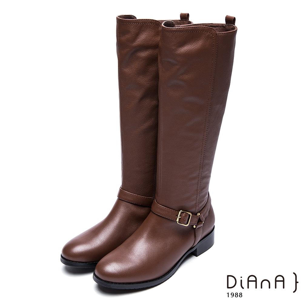 DIANA 時尚前線--俐落線條皮帶釦率性牛皮長靴-棕