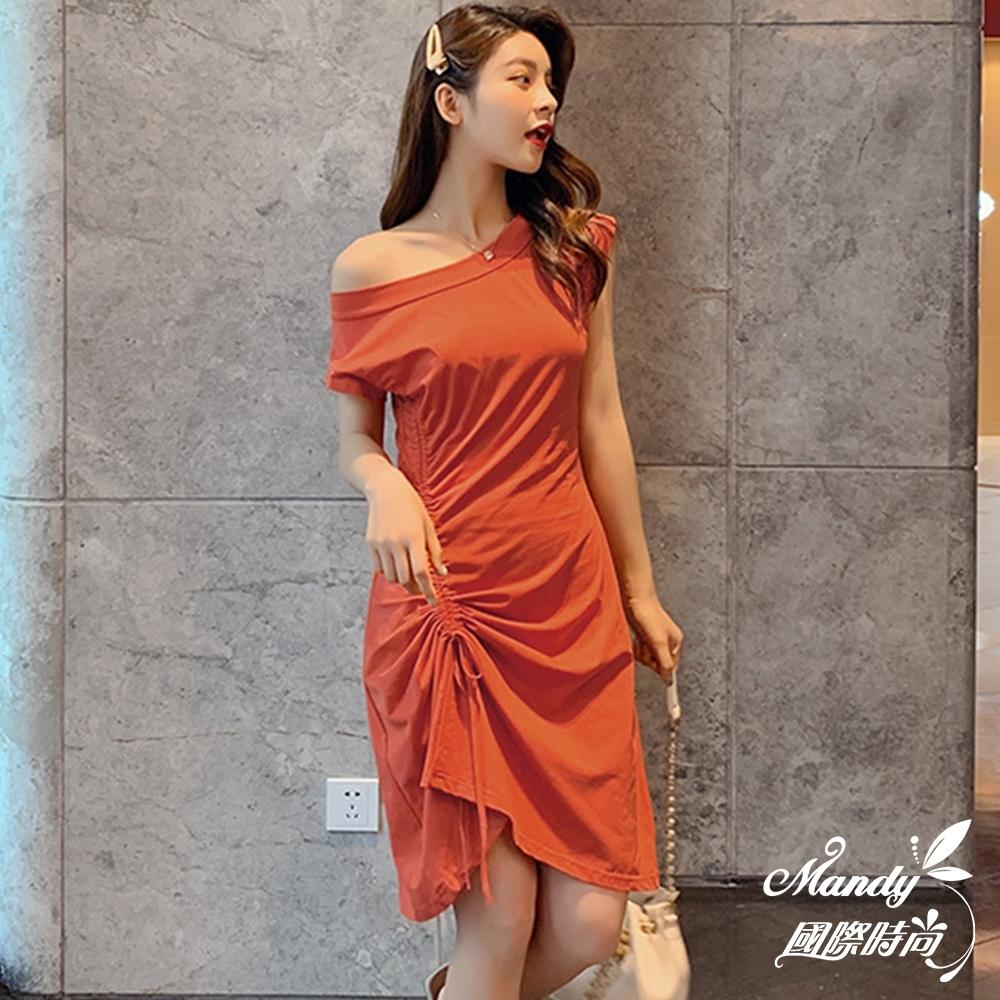 Mandy國際時尚 短袖洋裝 氣質修身顯瘦漏肩一字領不規則連身裙