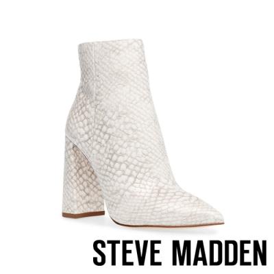 STEVE MADDEN-TARRA 時髦簡約粗高跟中筒靴-蛇皮白