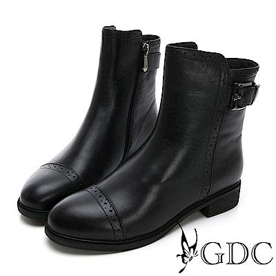 GDC-基本素面雕花個性款真皮秋冬短靴-黑色