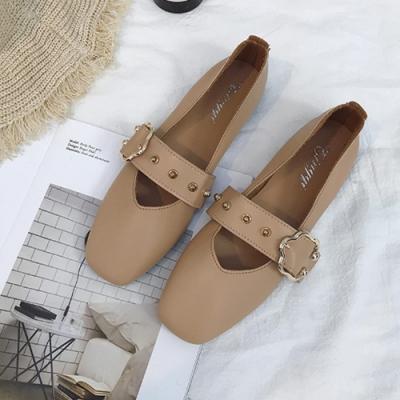 KEITH-WILL時尚鞋館 舞漾花蝶皮带扣淺口平底鞋 淺棕