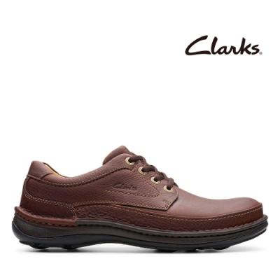 Clarks 自然家族 縫線設計舒適好走厚底休閒鞋 紅褐色