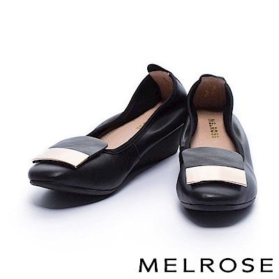 高跟鞋 MELROSE 典雅金屬長方釦飾柔軟全真皮楔型高跟鞋-黑