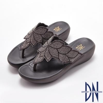 DN拖鞋_水鑽妝點花瓣圖案夾腳厚底涼拖鞋-灰