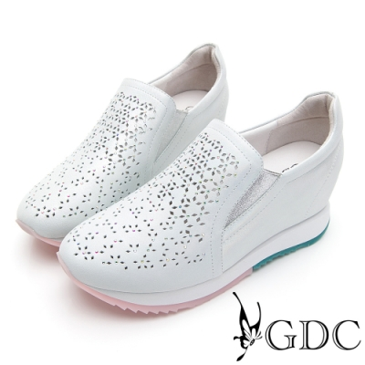 GDC-真皮雕花簍空馬卡龍色系厚底休閒鞋-淺藍色