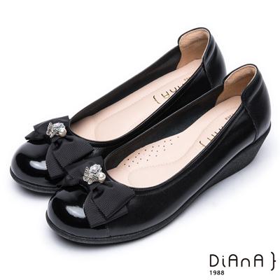 DIANA 舒活可愛--經典鑲鑽蝴蝶結真皮娃娃鞋-黑