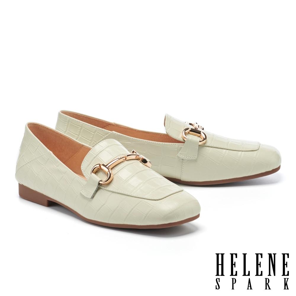 低跟鞋 HELENE SPARK 復古知性馬銜釦方頭樂福低跟鞋-米