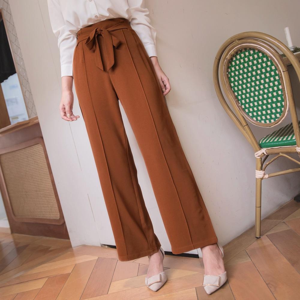 純色剪接設計蝴蝶結腰綁帶小落地直筒褲-OB大尺碼